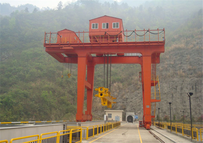 Sale of double girder gantry crane th in China