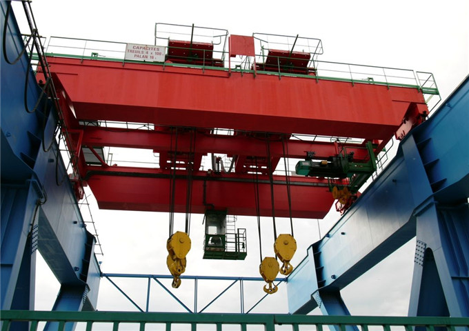 Sell metallurgical foundry overhead crane buy